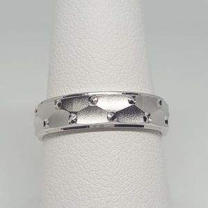 Jewelry - Sterling Silver Dots Pattern Wedding Band Ring